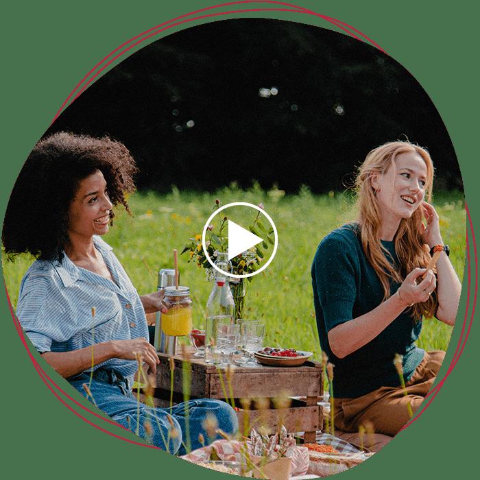 aoste_mask_picnic